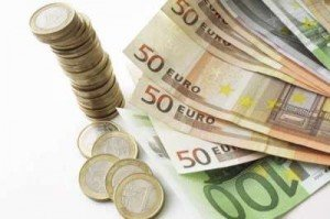 -Les Français et les riches, un rapport passionnel malsain dans Economie argent-euros1-300x199